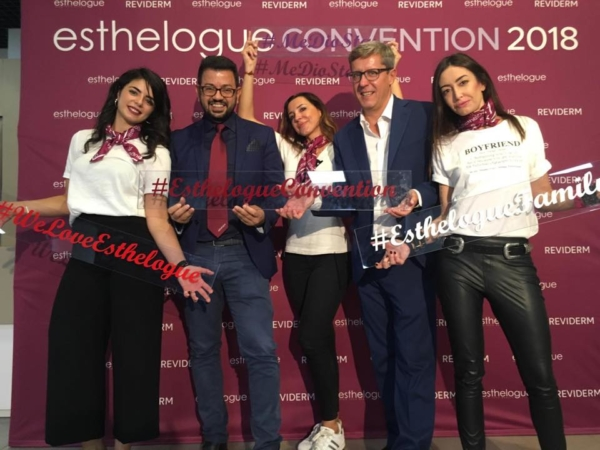 team-stand-out-esthelogue-convention
